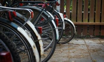 Światła rowerowe i jazda na rowerze w lecie